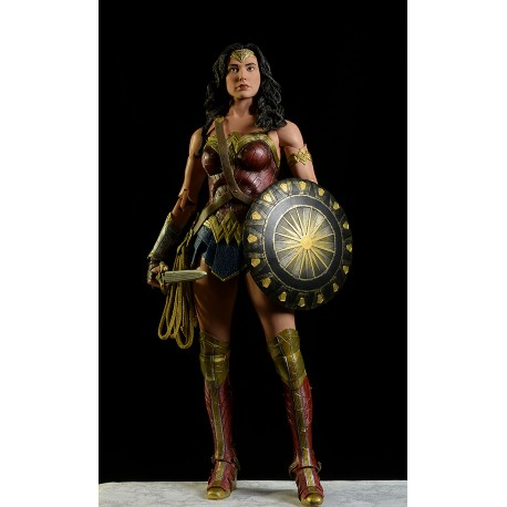 Figura Wonder Woman 45 cm Neca 1/4